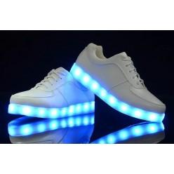 Кроссовки с подсветкой оптом