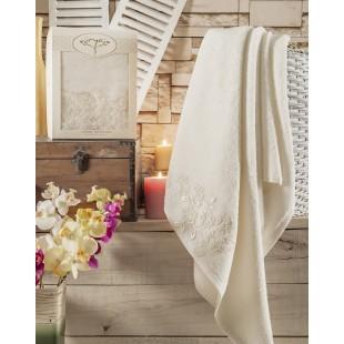 "Полотенце махровое в коробке ""IRYA"" c вышивкой SWEET (85x150) см 1/1 Mолочный"