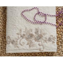 """Полотенце махровое в коробке """"IRYA"""" c вышивкой BELOVED (85x150) см 1/1"""